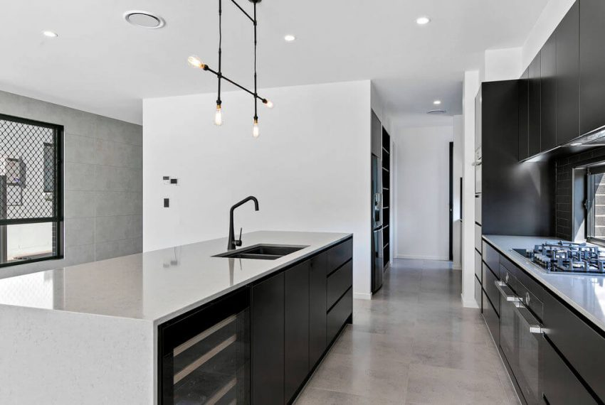 002_Open2view_ID599292-36_Ditmas_Street